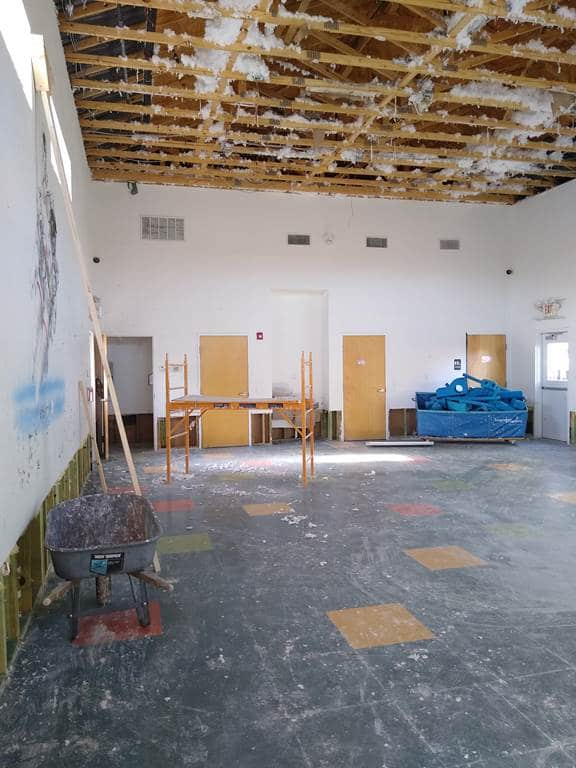 Demo and clean-up after burst pipes in the ceiling